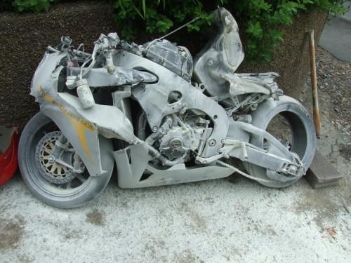 Click image for larger version  Name:Guy-Martin-crash-2-500x375.jpg Views:76 Size:70.1 KB ID:3290